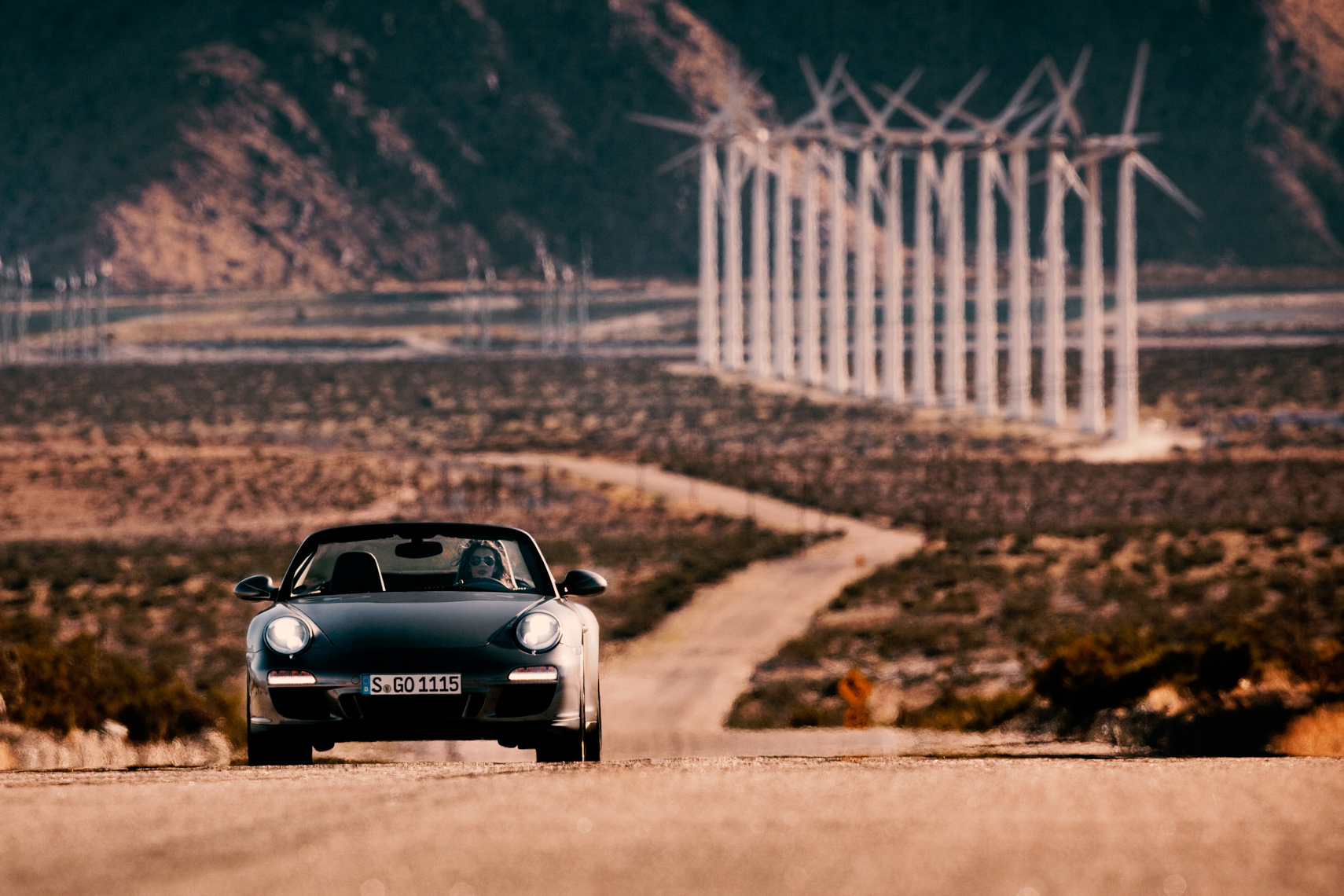 Porsche 911 desert by commercial automotive photographer Michael Grecco