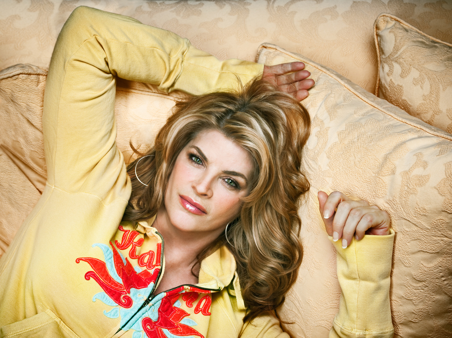 Kirstie Alley Portrait by commercial celebrity photographer Michael Grecco